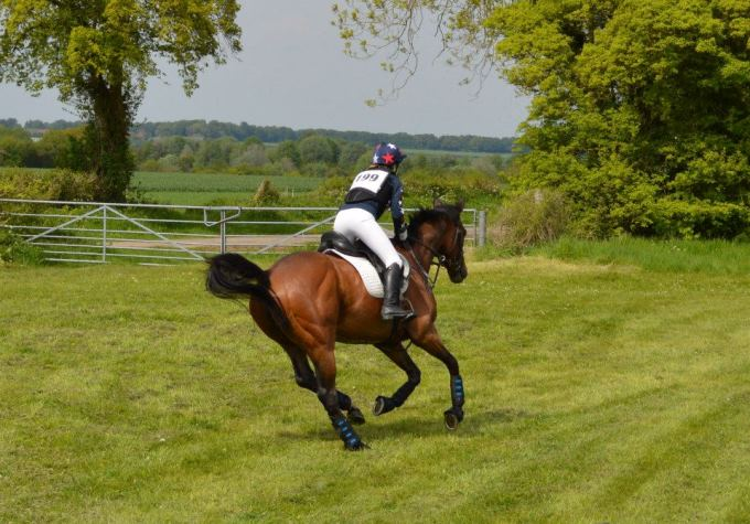 Nicki going cross country on ex-racehorse Pha Mai Blue