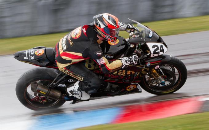 British Superbike Action at Thruxton