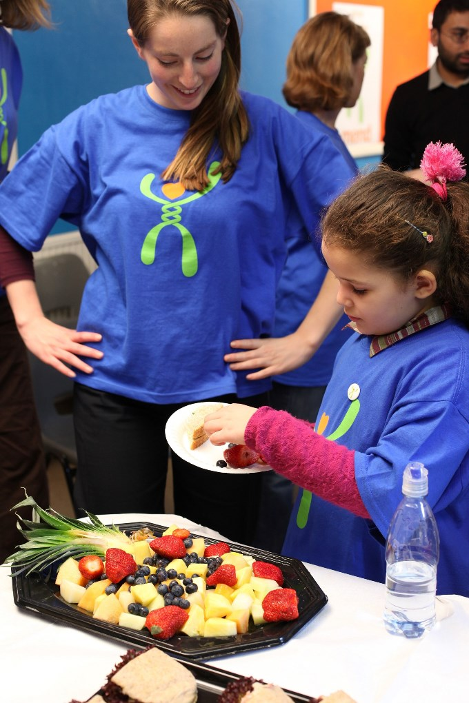 ALC Mend - Children at the MEND 5-7 programme try new fruits small