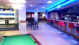 Breakers Bar and Bowling in Andover