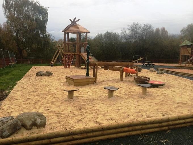 Charlton Lakes Play Park