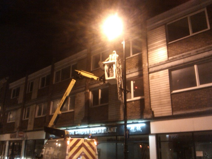 Christmas Lights being installed in Bridge Street
