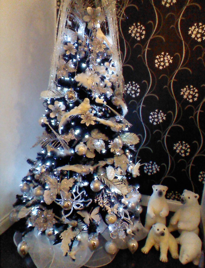 June and Fred - White Christmas Tree
