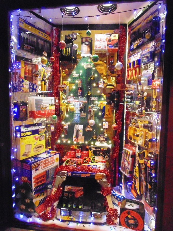 C&M DIY - Christmas Window