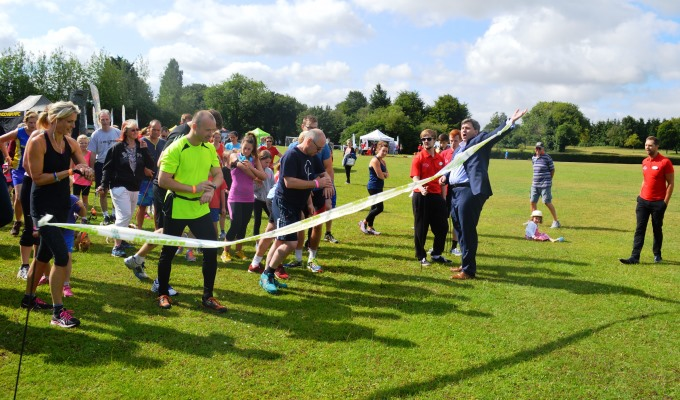 Local MP Kit Malthouse gets the fun runs underway