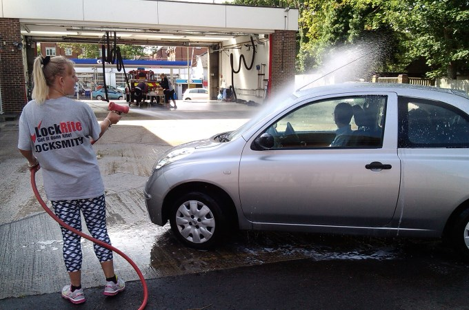 Fire Station Car Wash - Nissan Rinse