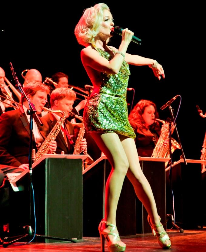 Sinatra Swing - Kitty La Roar