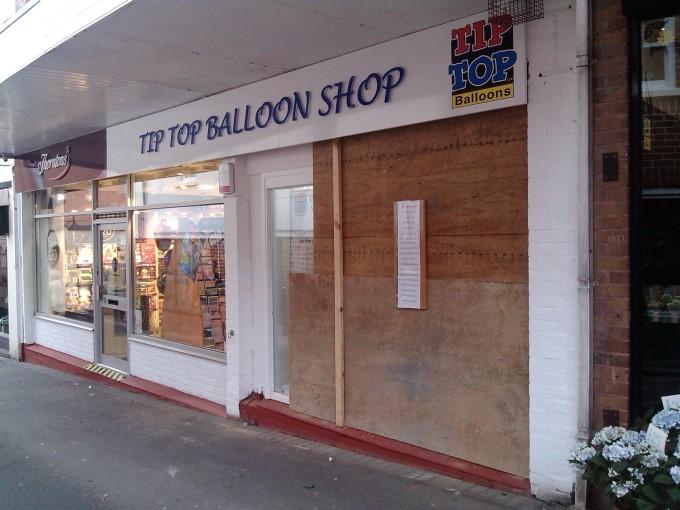 Tip Top Balloons Andover - Window