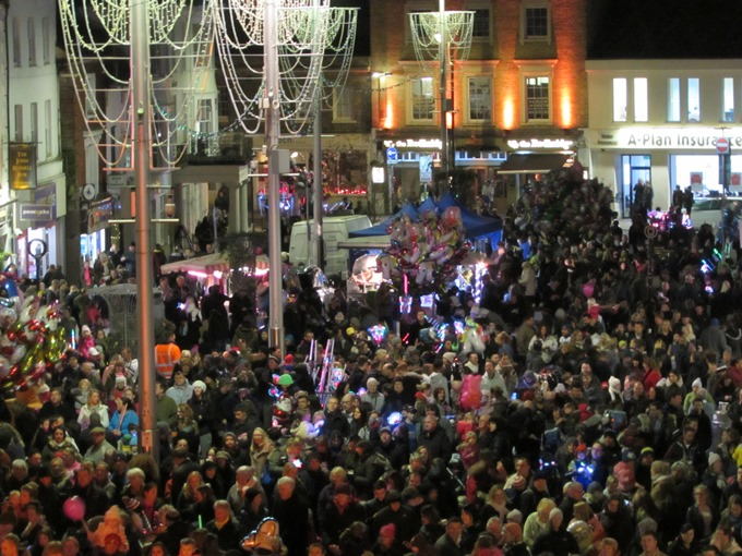 TVBC - Christmas Lights Switch On Crowd 2015
